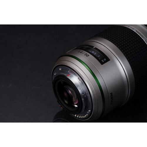 Объектив HD PENTAX-D FA* 50mm F1.4 SDM AW Silver Edition